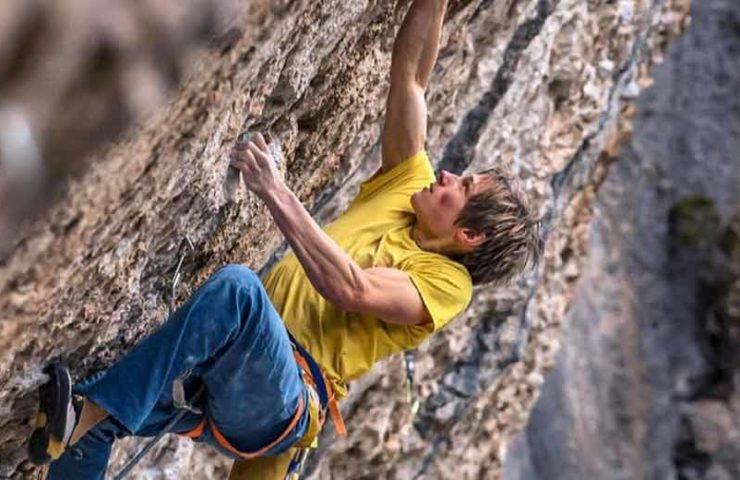 First ascent by Alexander Megos: Et pour quelques dégaines de plus (9a +)