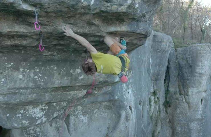 Climbing until the ribs break: Seb Bouin in De l'autre côté du ciel