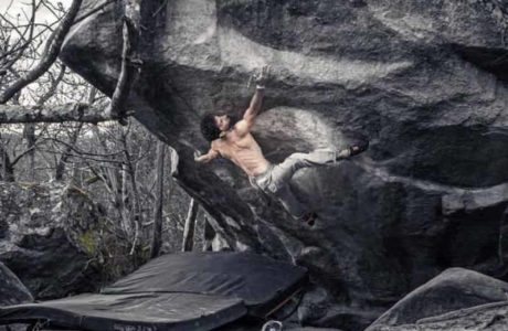 Nico Pelorson repeats the 9a boulder Soudain Seul in Fontainebleau