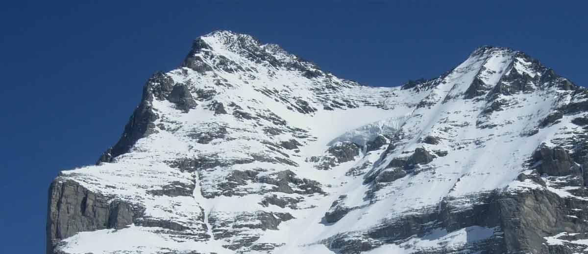 Mann-bei-Skiabfahrt-von-Eiger-t-dlich-verungl-ckt