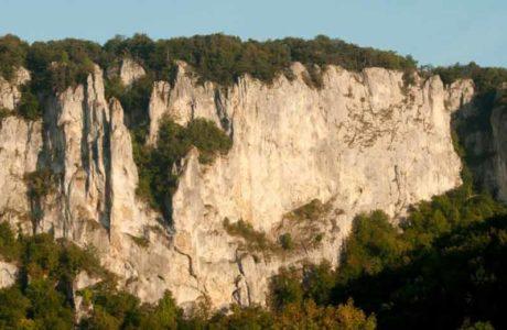 Drohende Sperrung der Klettersektoren im Donautal