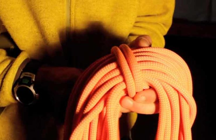Pick up / shoot climbing rope correctly: 3 techniques