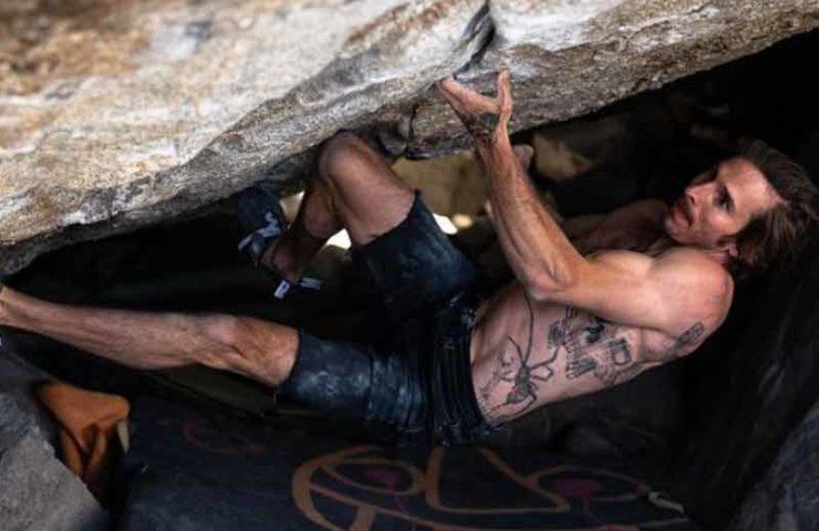 Daniel Woods boulders Grand Illusion (8c +)