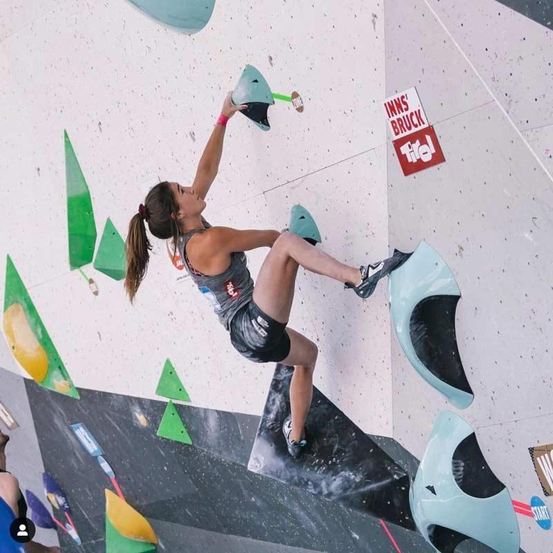 Johanna Färber en la Copa del Mundo de Boulder en Innsbruck. (Foto Lena Drapella)