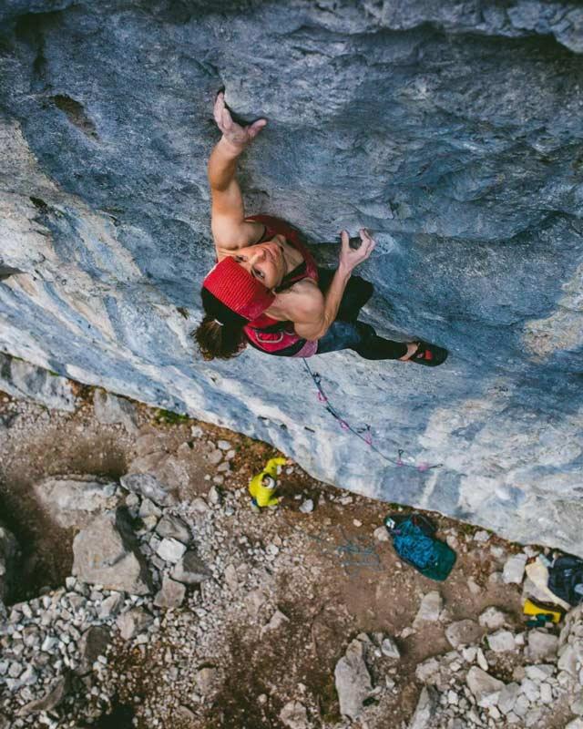 Barbara Zangerl kletterte Sprengstoff im April 2021. (Bild Jacopo Larcher)