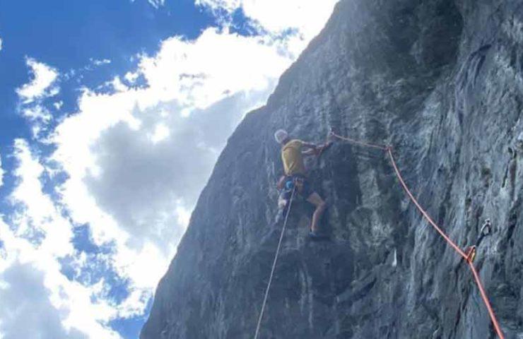 Samuel Ometz eröffnet schwierige Route Sauve qui pleut (8c/+, 270m)