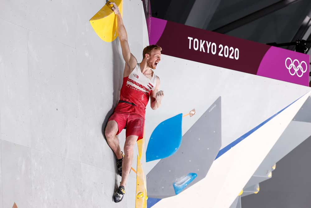 Jakob Schubert in the bouldering final of the Olympic Summer Games in Tokyo. (Image Dimitris Tosidis / IFSC)