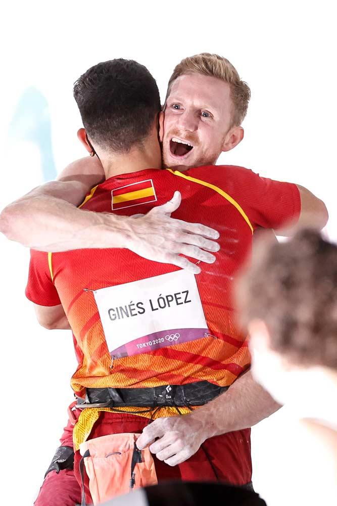 Jakob Schubert congratulates the gold medalist Alberto Gines Lopez from Spain. (Image Dimitris Tosidis / IFSC)