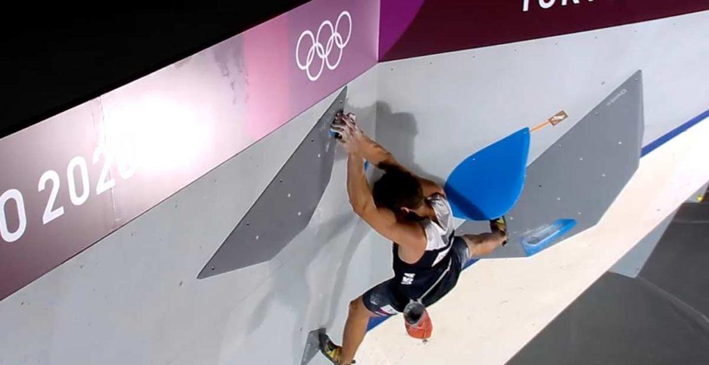 Nathaniel Coleman tops boulder number 2. (Image olympics.com)