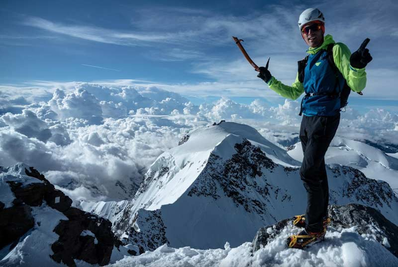 Andy Steindl on his record Lago Maggiore - Dufourspitze. (Photo Luca Rolli)