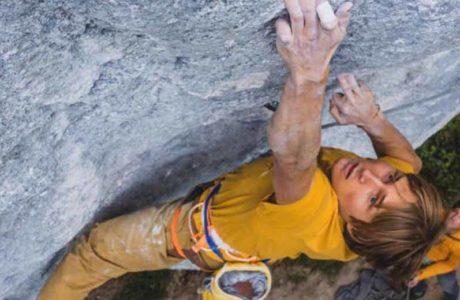 Alexander Megos klettert Intermezzo XY gelöst (9a) flash