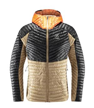 Die leichte Daunenjacke darf beim Herbstklettern nicht fehlen.  Wenn die Sonne einmal weg ist, wird es schnell kalt.
